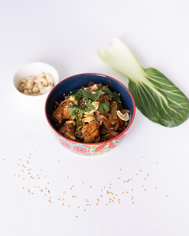 wok con pollo y verduras