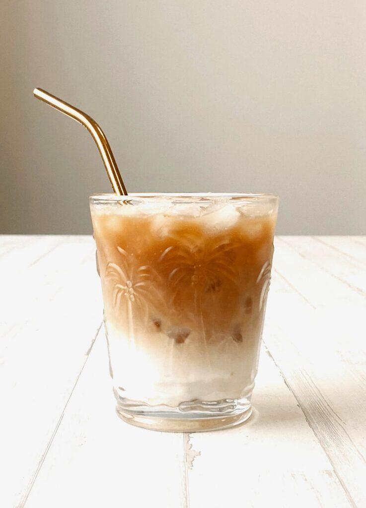 café frappé con canela