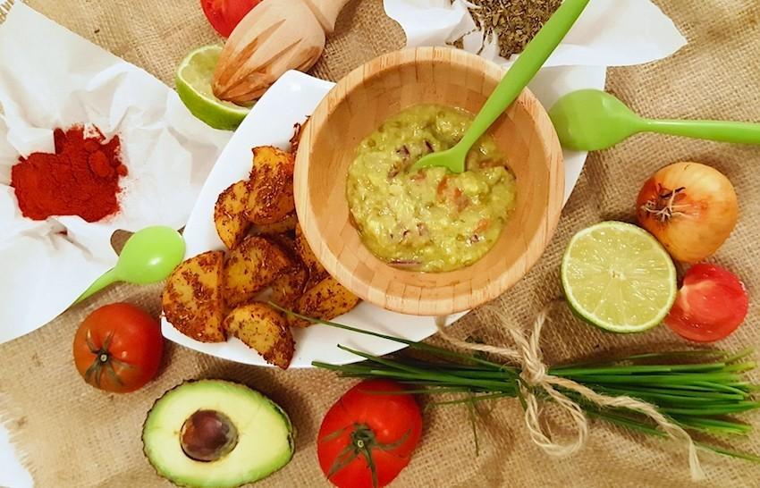 RECETA/ Patatas deluxe con salsa guacamole
