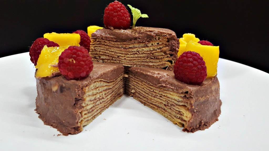 RECETA/ Tarta low-carb con chocolate y crema de cacahuete
