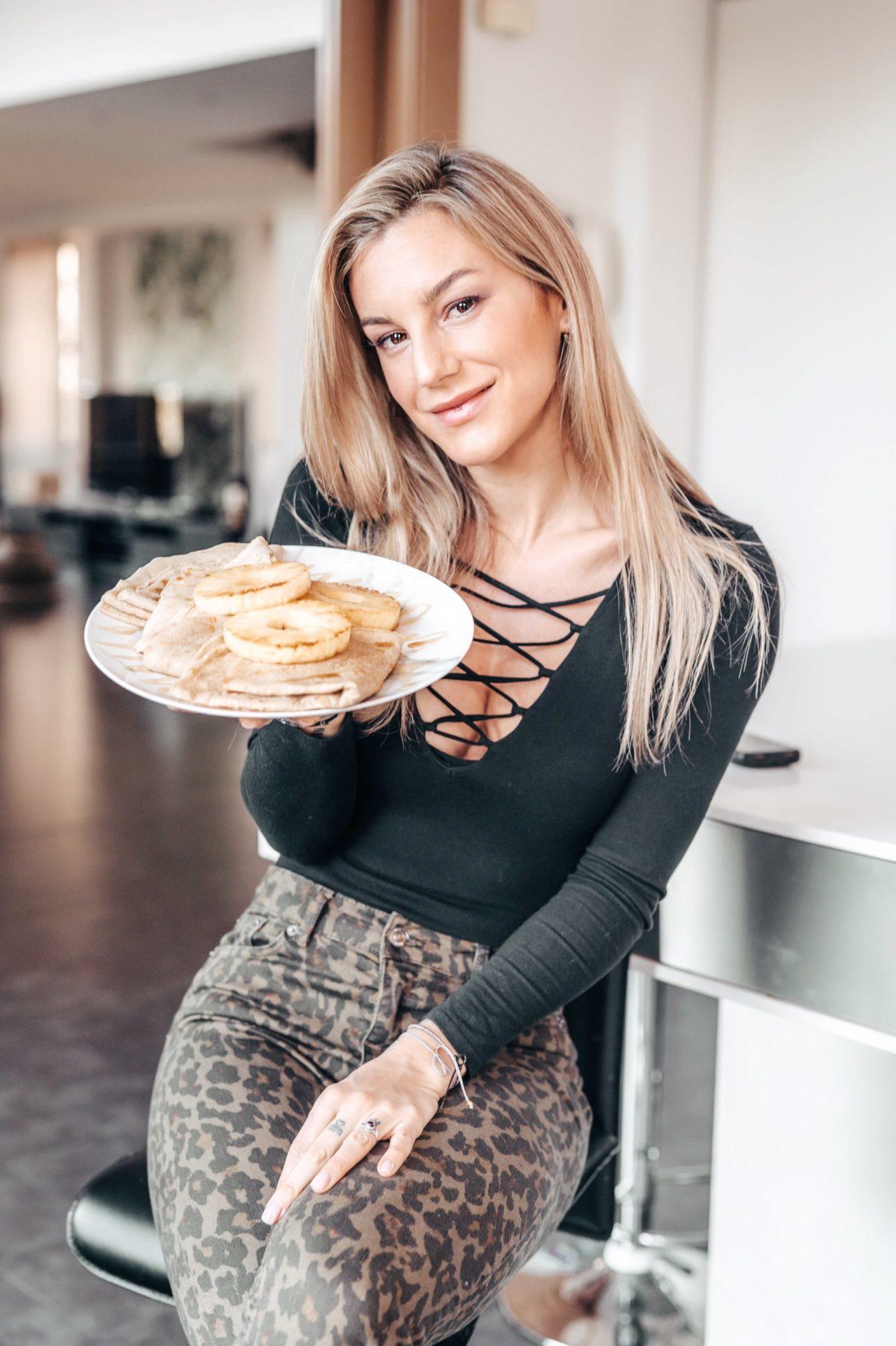 Crepes dulces con piña Vikika