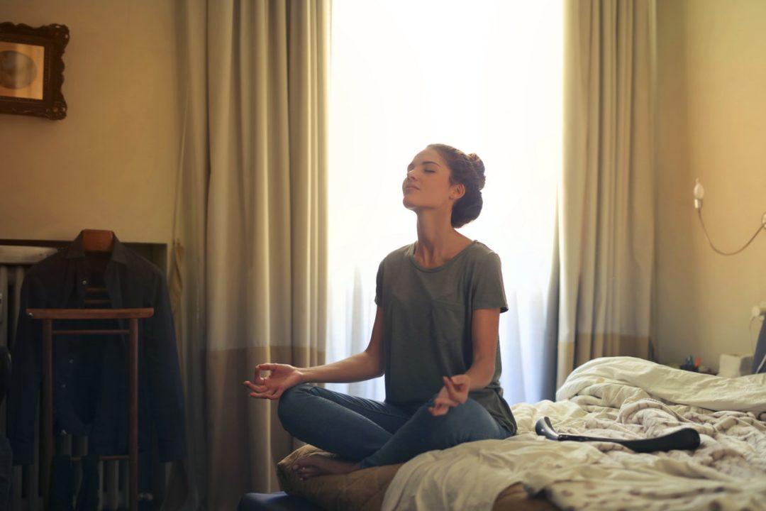 3 Pensamientos positivos para mantener la calma en cuarentena